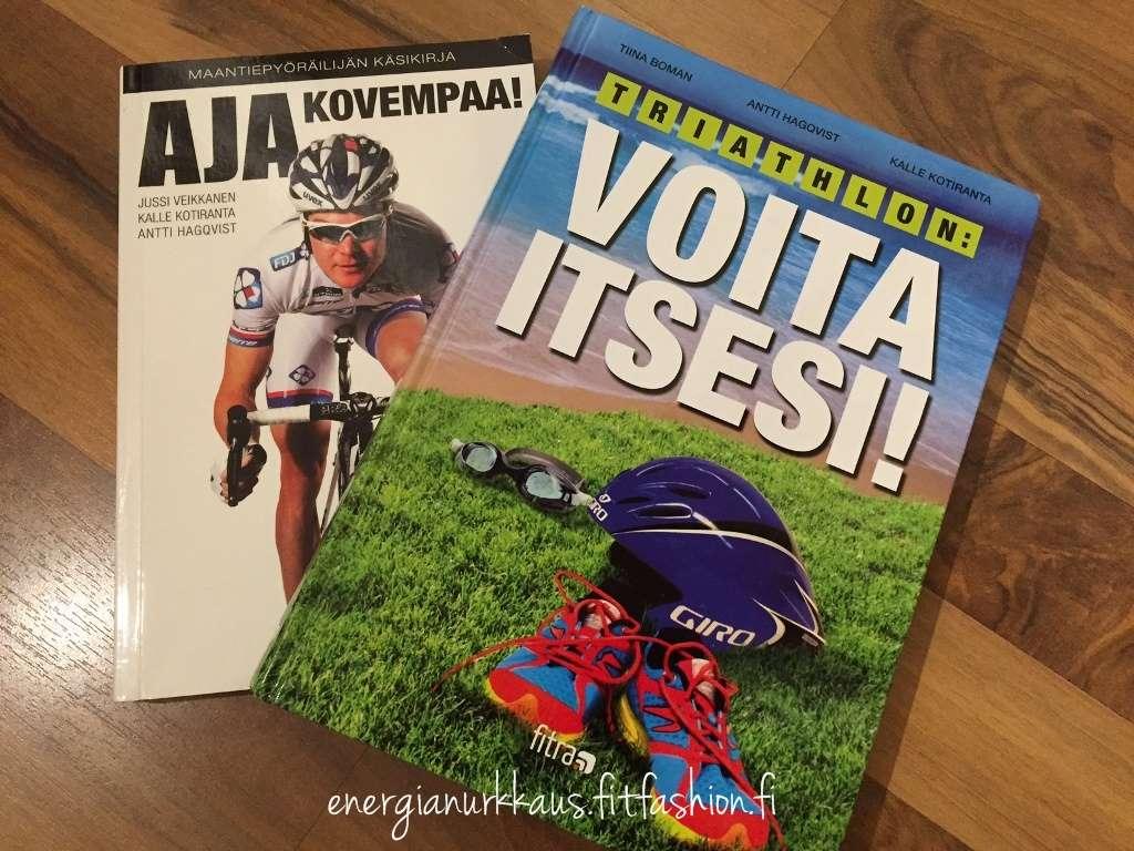 Kaksi kirjoista, joita Antti on ollut tekemässä. Uusin, Kapasiteetti - johtajan menestystekijä, ilmestyi juuri.