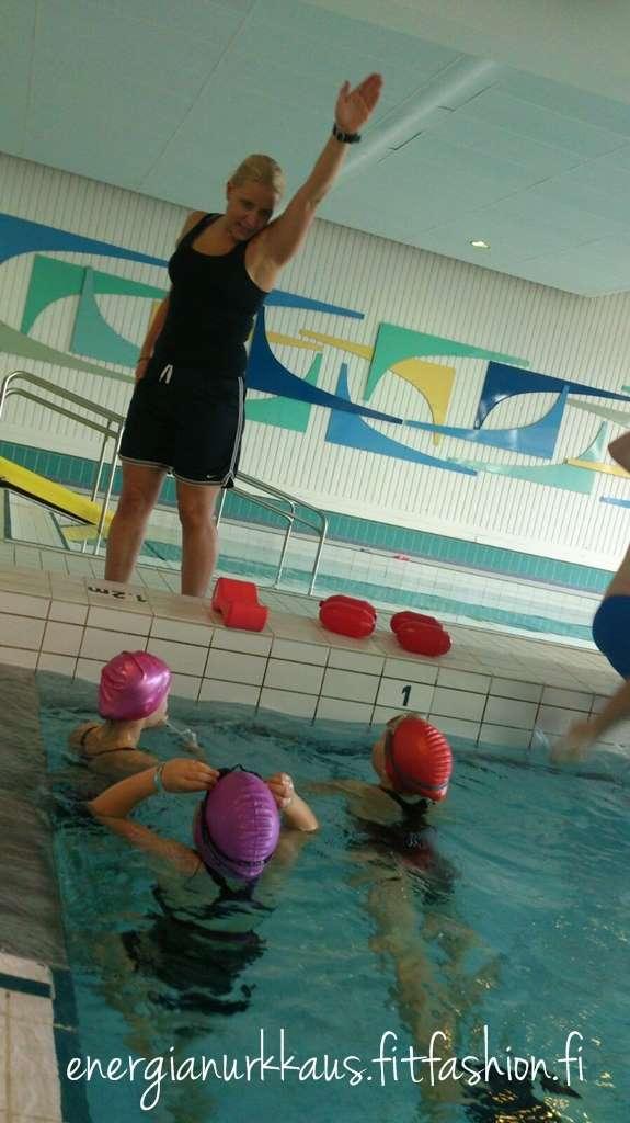 Uintitekniikkaa tytöille.